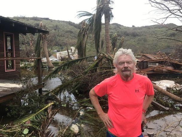 """Миллиардер Брэнсон показал, что осталось от его роскошного дома после атаки """"Ирмы"""""""