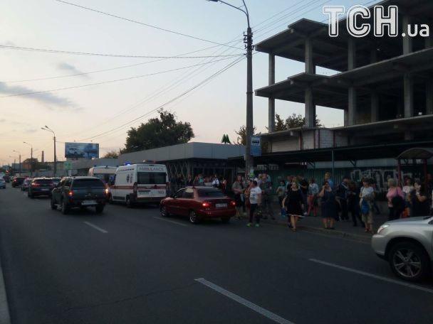 Из-за остановки движения метро в Киеве образовалась сильная давка