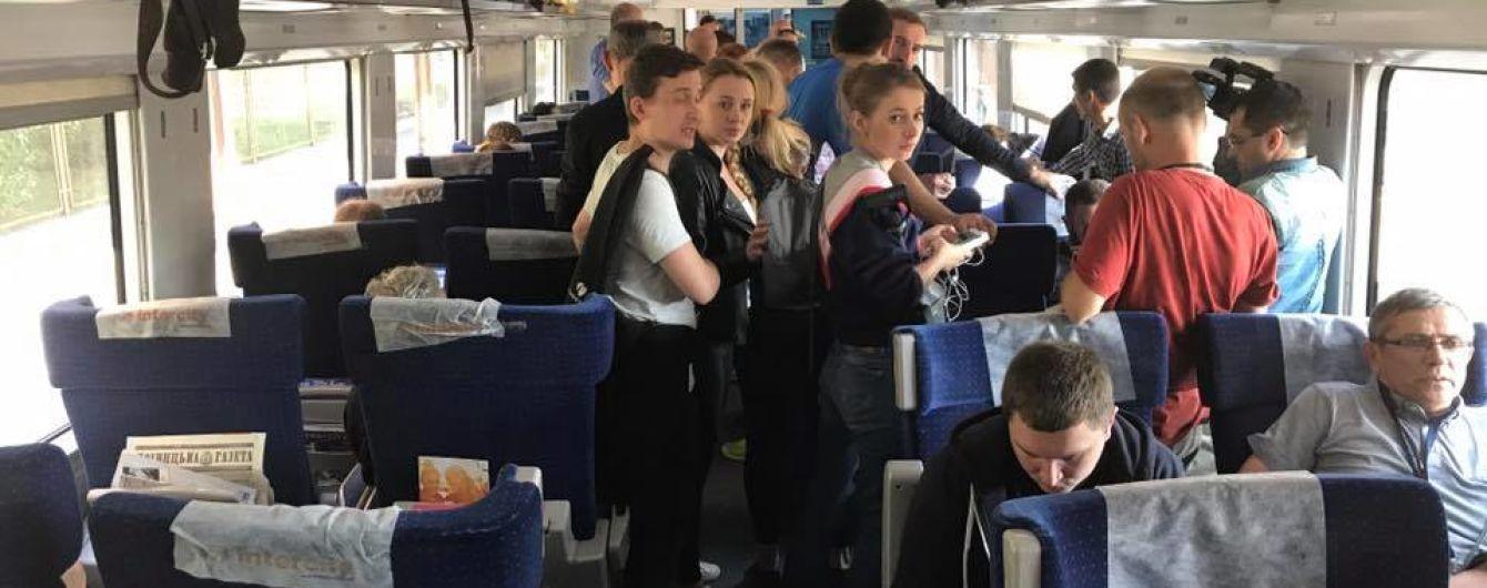 """""""Укрзализныцю"""" могут завалить судебными исками после истории с """"поездом Саакашвили"""""""