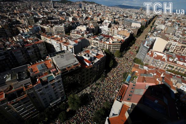 У Барселоні майже мільйон демонстрантів вийшли підтримати незалежність Каталонії