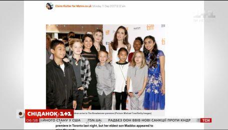 Анджеліна Джолі приїхала презентувати новий фільм у компанії своїх дітей