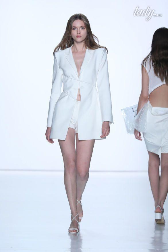 Показ коллекции Светланы Бевзы на Нью-Йоркской неделе моды _10