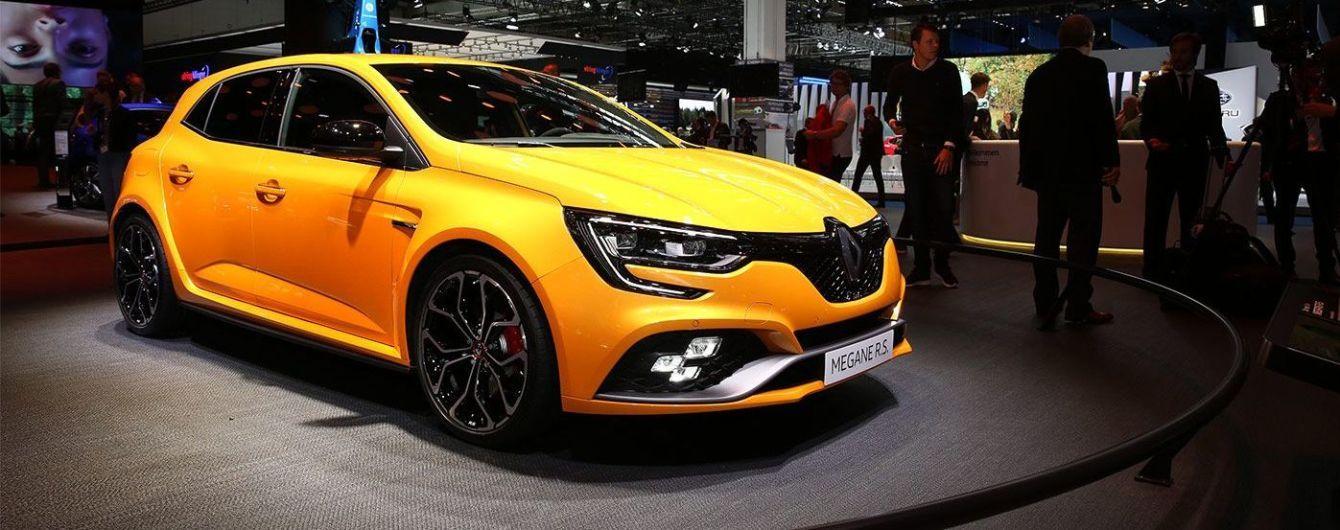 """Renault рассекретил новый """"заряженный"""" хэтчбек Megane RS"""