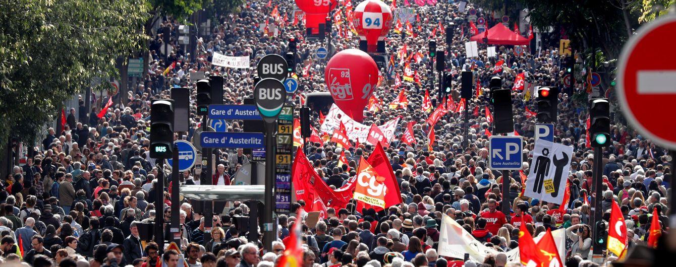 Многотысячный марш профсоюзов в Париже превратился в побоище с силовиками