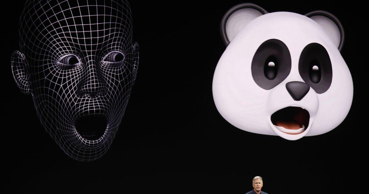 Три нових iPhone, говіркий годинник  та 3D-емоції. Усі новинки Apple