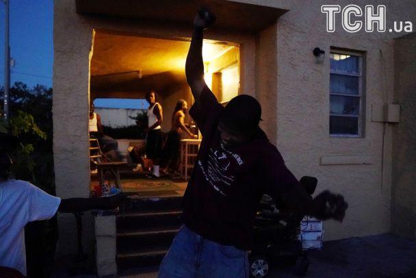 Разбитые здания и затопленные улицы: с чем оставил пострадавших ураган Ирма