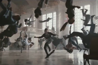 Українська компанія брала участь у створенні відео Apple Watch, що зняли на вокзалі Києва