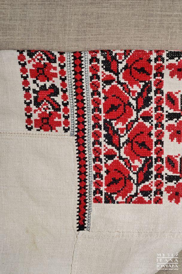 """Сорочки вишиті червоними і чорними квітами — """"Брокарівські"""""""