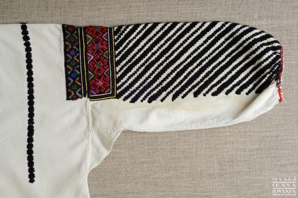 Чорні вишивки славнозвісних борщівських сорочок