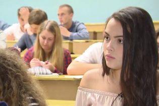Наймолодша красуня України вступила до політеху та мріє про політику