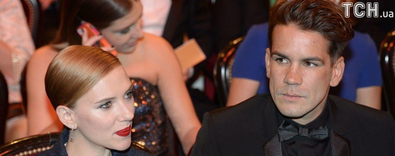 Голливудская звезда Скарлетт Йоханссон официально стала холостячкой
