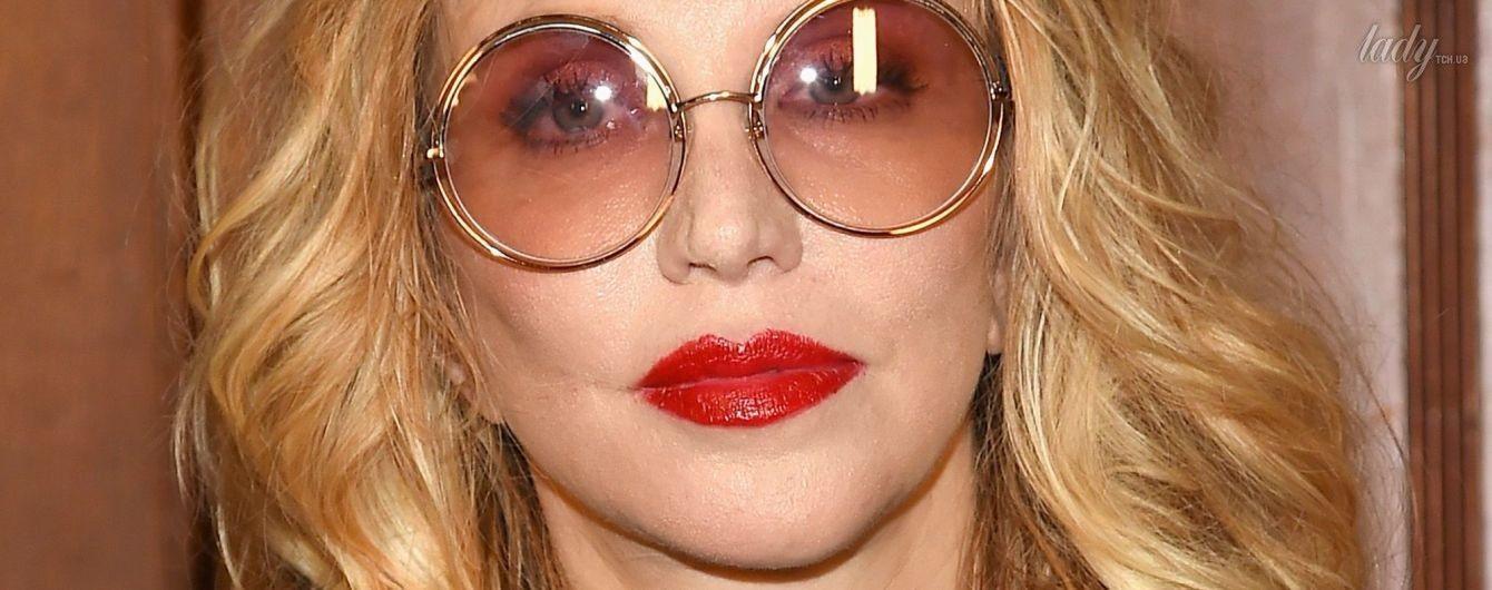 Так-то лучше: Кортни Лав продемонстрировала стильный образ в Нью-Йорке