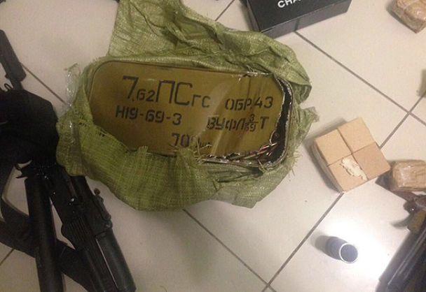 """Автомат и более тысячи патронов. Полиция провела обыск у участника прорыва на ПП """"Шегини"""""""