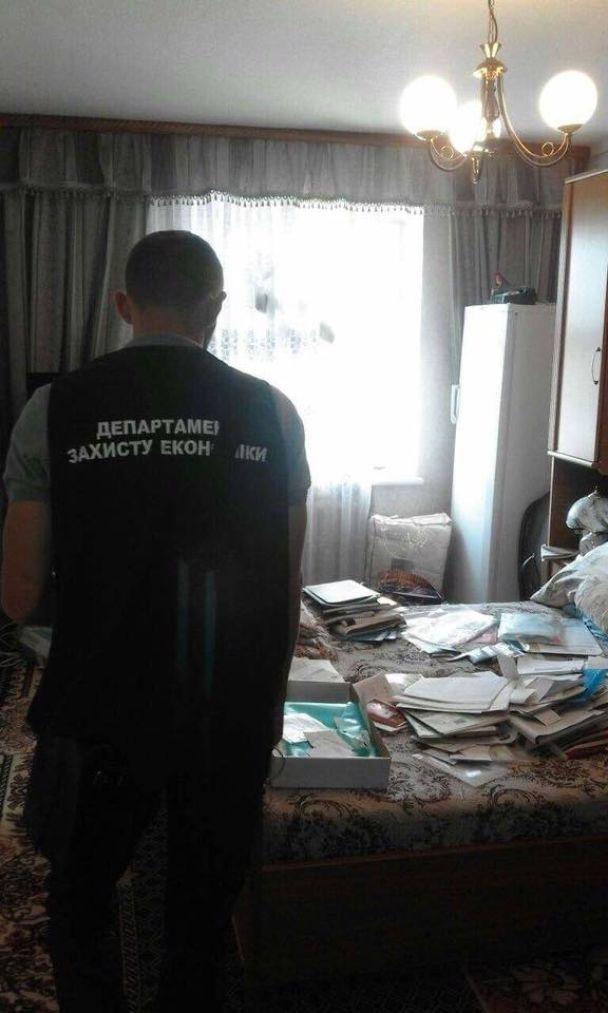На Закарпатье на 150 тысяч гривен взятки поймали помощника нардепа