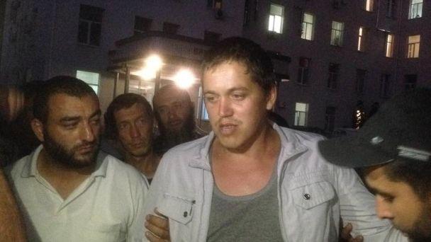Били током, пока двигался. Стали известны подробности похищения крымского татарина Параламова ФСБшниками