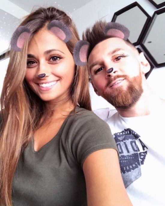 Мессі-медведик. Зірка футболу з дружиною випробували фільтри Instagram