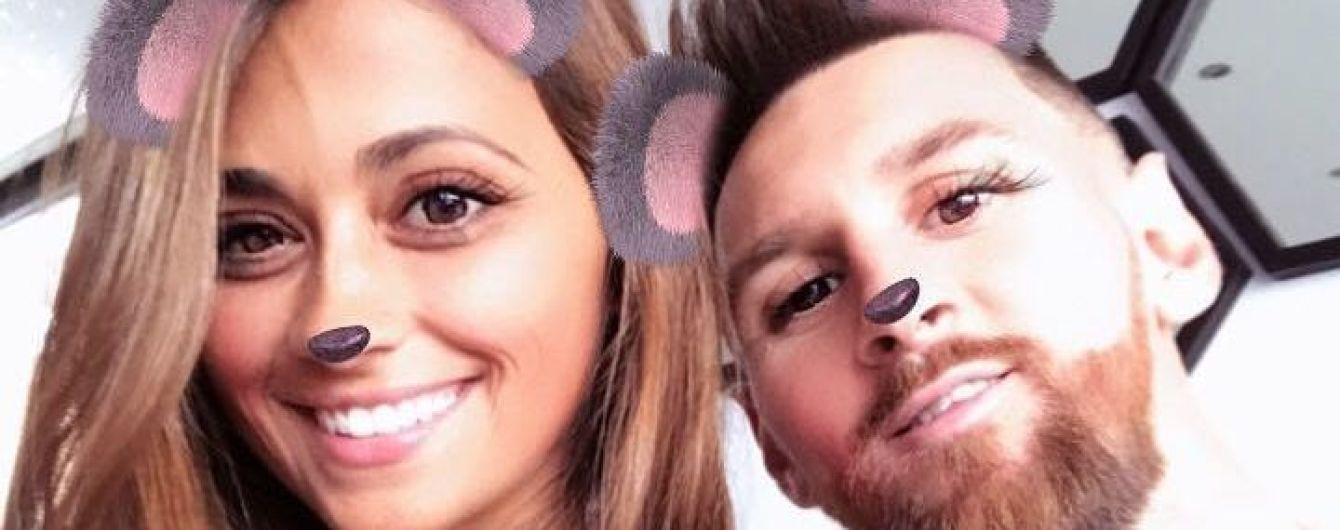 Месси-мишка. Звезда футбола с женой опробовали фильтры Instagram