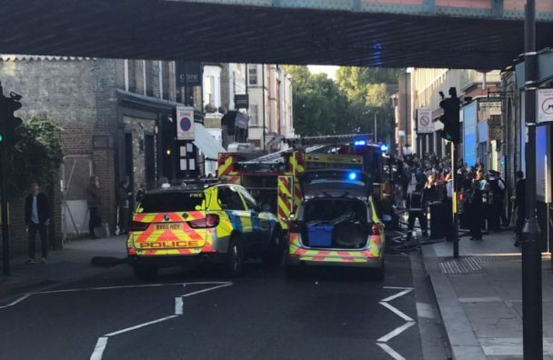 З'явилися фото та відео з місця вибуху у лондонському метро