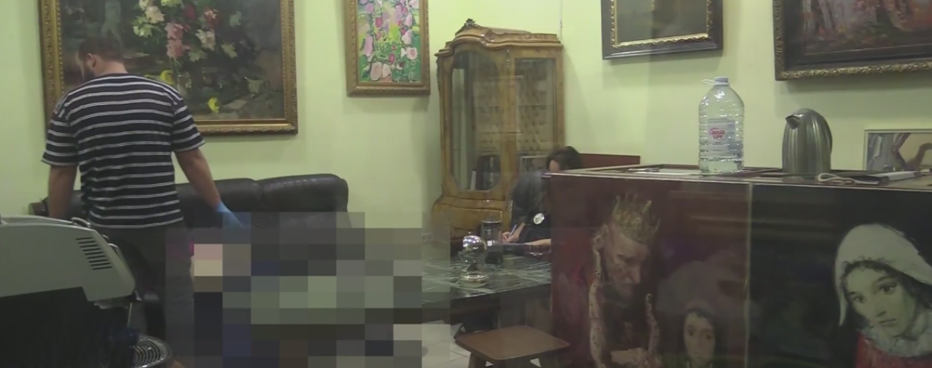 В художественной галерее в Киеве застрелился мужчина