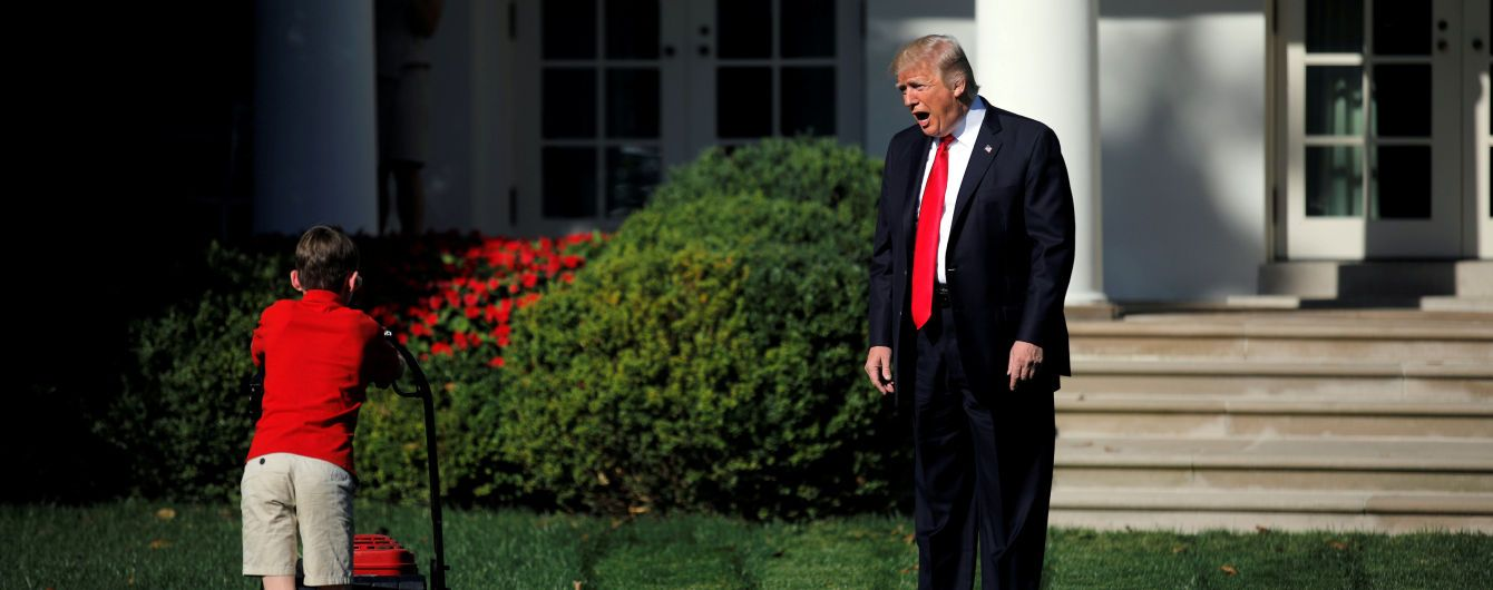 11-річний хлопець покосив газон біля Білого дому під наглядом Трампа