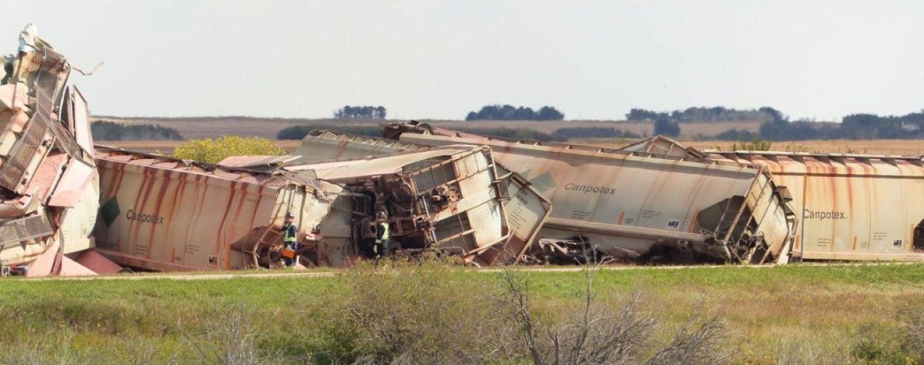 В Канаде сошел с рельсов грузовой поезд