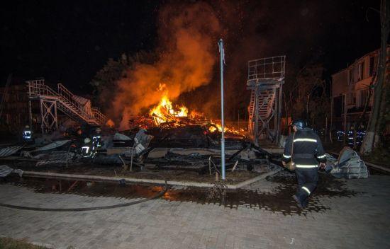 В Одесі ідентифікували тіла трьох дівчаток, загиблих під час жахливої пожежі в таборі