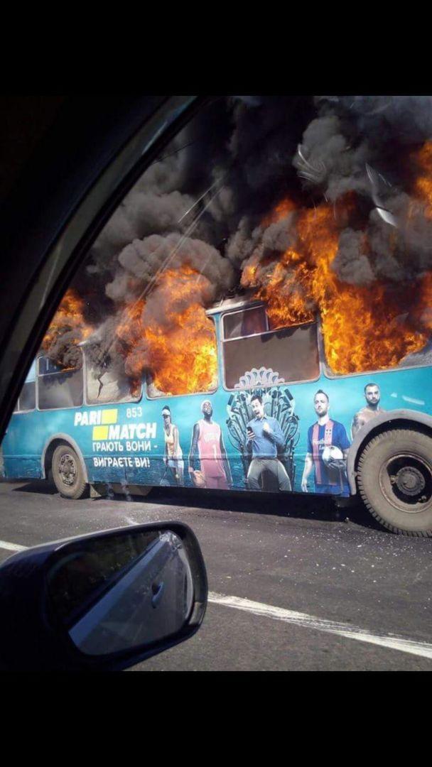 В Одессе дотла сгорел троллейбус