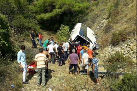 Украинцы не пострадали в аварии туристического автобуса в Турции