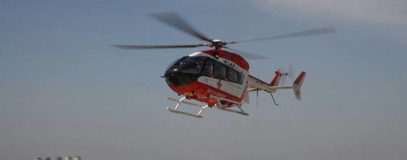 Впервые в истории санитарный вертолет с пациентом приземлился на крыше Института сердца