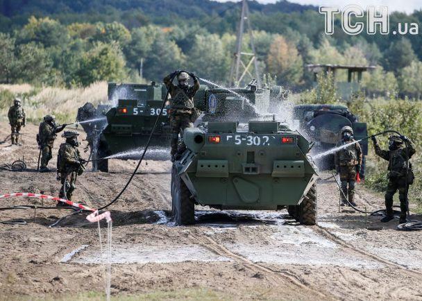 Reuters показало динамічні фото міжнародних військових навчань Rapid Trident-2017 в Україні