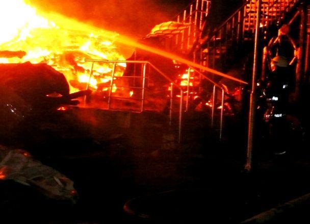 Подробности жуткого пожара в Одессе: спасатели рассказали о количестве погибших и раненых детей