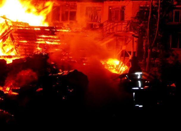 Постраждала під час пожежі у«Вікторії» витягнула із палаючого будинку 8 дітей