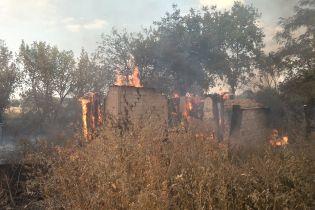 Боевики обстреляли Зайцево: один человек получил ранения, загорелся жилой дом