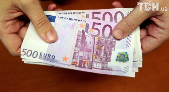 Основна валюта здешевшає в курсах Нацбанку на 21 листопада. Інфографіка
