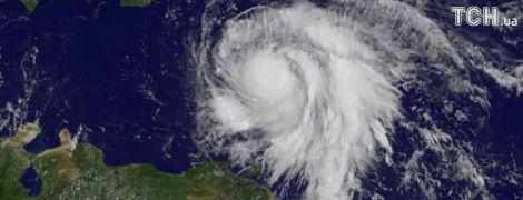 """Унаслідок потужної атаки урагану """"Марія"""" на острові Домініка 15 осіб загинули, 20 зникли безвісти"""
