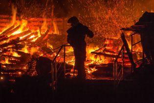 Пожежа у таборі в Одесі: дівчинка врятувала з вогню 8 молодших дітей