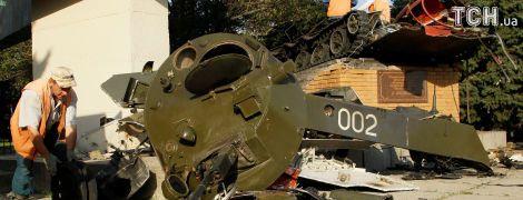 """Главари """"ЛНР"""" ищут украинскую ДРГ"""" после взрыва памятника. Обнародовано фото взрыва"""