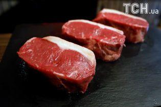 Нобелівський лауреат із медицини закликав українців їсти свинину