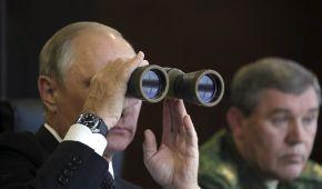 """Путин с биноклем и полет белорусских истребителей. Reuters показало фото учений """"Запад-2017"""""""