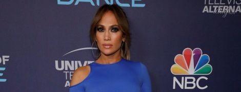 В сексуальном платье и с любимым в обнимку: Дженнифер Лопес на вечеринке в Западном Голливуде