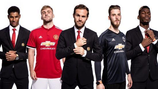 """Гравці """"Манчестер Юнайтед"""" перевтілилися в шпигунів, презентуючи нову кінострічку"""