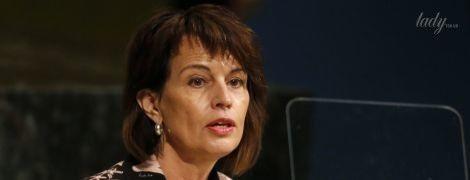 С ярким макияжем и в элегантном наряде: как выглядит 54-летняя президент Швейцарии Дорис Лойтхард