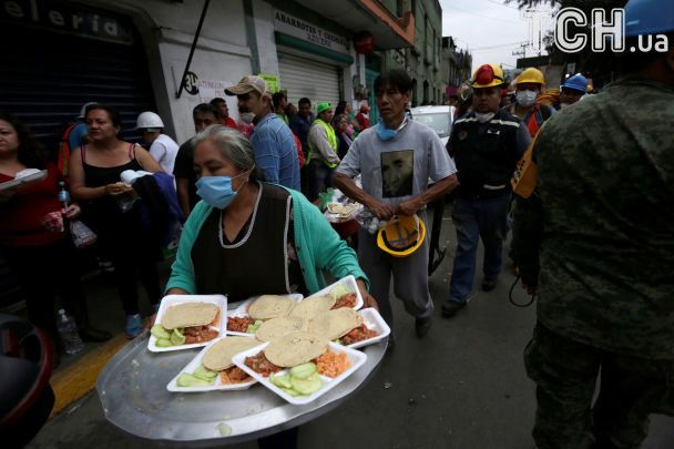 Під завалами школи під час землетрусу вМексиці загинуло щонайменше 26 осіб