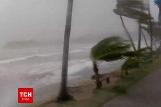 """Шалена """"Марія"""": ще один руйнівний ураган налетів на Домініканську Республіку"""