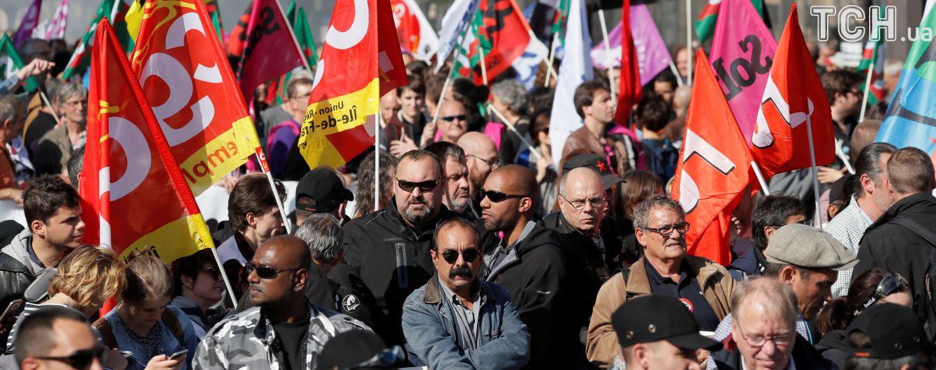 У Франції загальнонаціональний страйк: можуть скасовуватися авіарейси та потяги