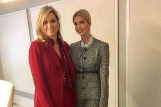 Блондинки в деловых костюмах: Иванка Трамп встретилась с королевой Максимой