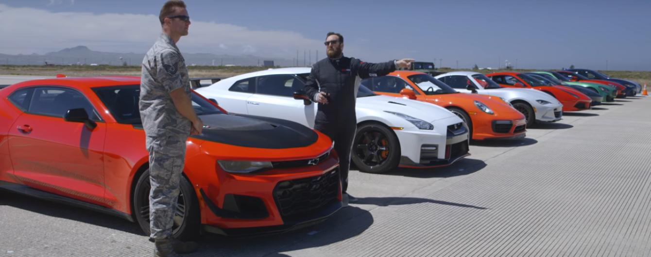 Электрокар Tesla Model S сразился в дрэг-гонке с 11 спорткарами