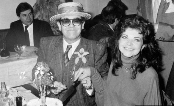 Елтон Джон з дружиною