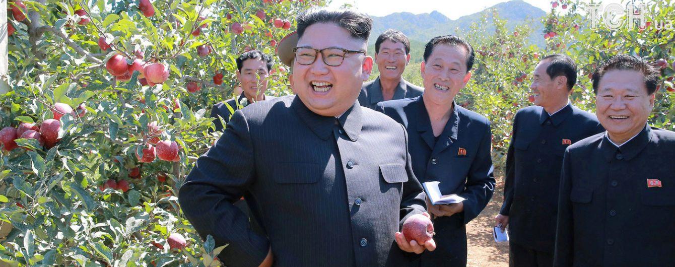 """""""Драгоценный меч"""": Ким Чен Ын убежден, что ядерное оружие защитит от агрессии КНДР"""