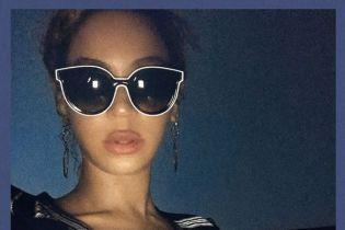 Романтика и поцелуи: Бейонсе в коротких шортах сходила на свидание с Джей Зи